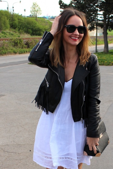 Fashioncircuz by Jenny img_5496-370x554 ROCKIG IM SPITZENKLEIDCHEN - STILBRUCH DELUXE