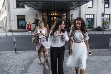 Fashioncircuz by Jenny www-kevinmuenkel-de-370x247 MICHALSKY BERLIN II - EINE DUFTVORSTELLUNG DER ANDEREN ART IM BERLINER HOTEL 'THE RITZ CARLTON'