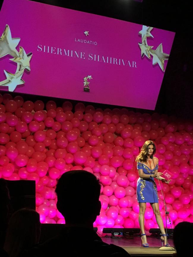 Fashioncircuz by Jenny shermine ICONS & IDOLS - DIE VERLEIHUNG DER INTOUCH AWARDS 2016 IN DÜSSELDORF MIT ROSSMANN UND EOS