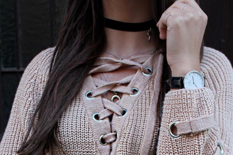 Fashioncircuz by Jenny details-chicwish-tb-770x514 OUTFIT | STYLISCHER PULLOVER ZUM SCHNÜREN & LEDERROCK