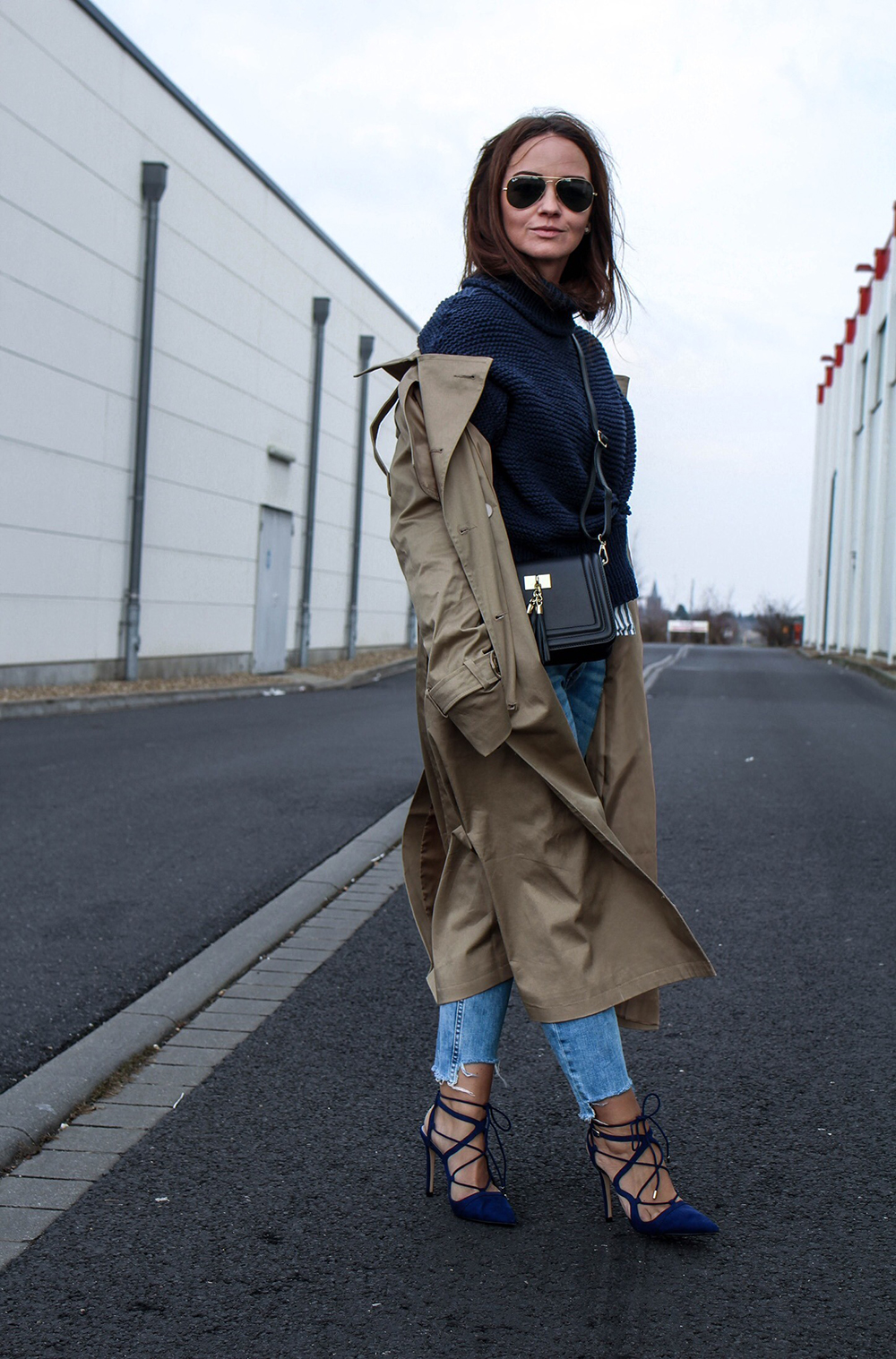 Fashioncircuz by Jenny fashioncircuz_jennifer_kemen_outfit_inspiration_showroom_pullover_and_asos_trenchcoat-kopie-4 OUTFIT| OH TRENCHCOAT, MY LOVE