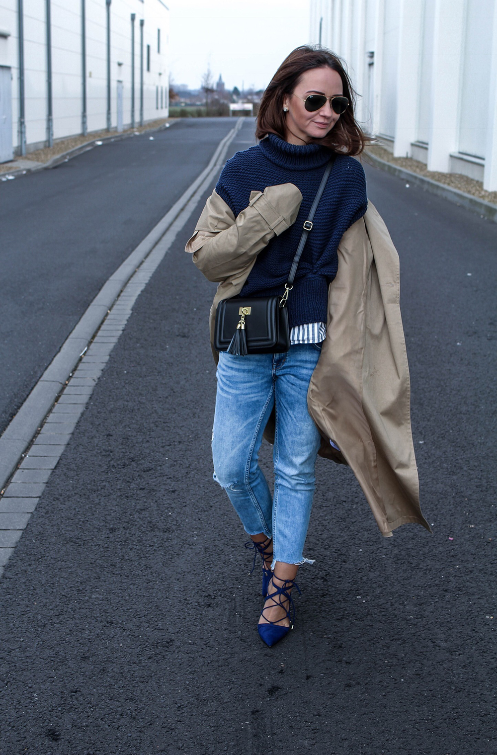 Fashioncircuz by Jenny fashioncircuz_jennifer_kemen_outfit_inspiration_showroom_pullover_and_asos_trenchcoat-kopie-5 OUTFIT| OH TRENCHCOAT, MY LOVE