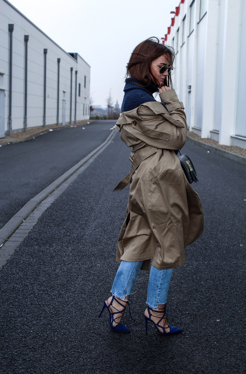 Fashioncircuz by Jenny fashioncircuz_jennifer_kemen_outfit_inspiration_showroom_pullover_and_asos_trenchcoat-kopie OUTFIT| OH TRENCHCOAT, MY LOVE