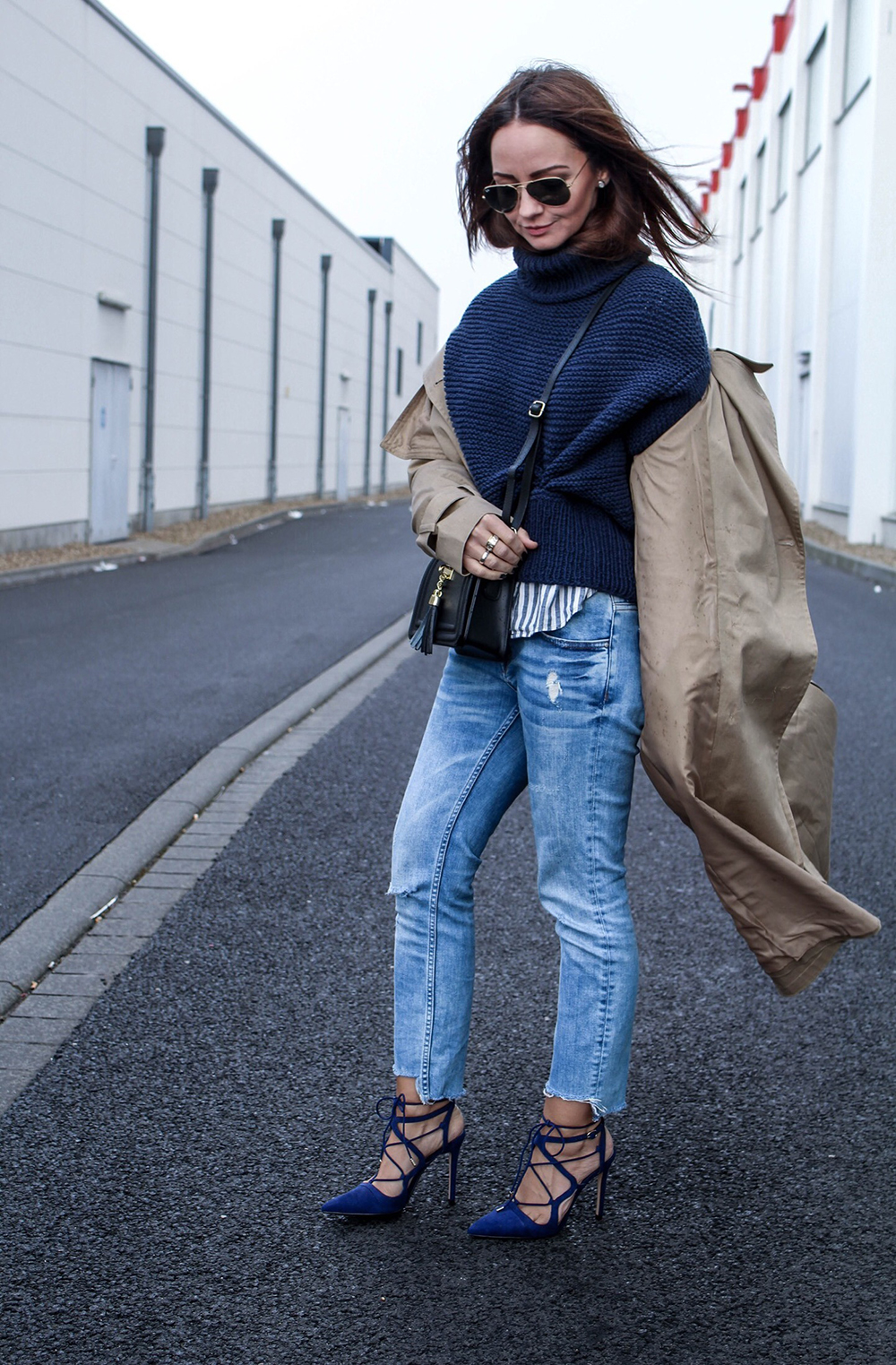 Fashioncircuz by Jenny fashioncircuz_jennifer_kemen_outfit_inspiration_showroom_pullover_and_asos_trenchcoat1 OUTFIT| OH TRENCHCOAT, MY LOVE
