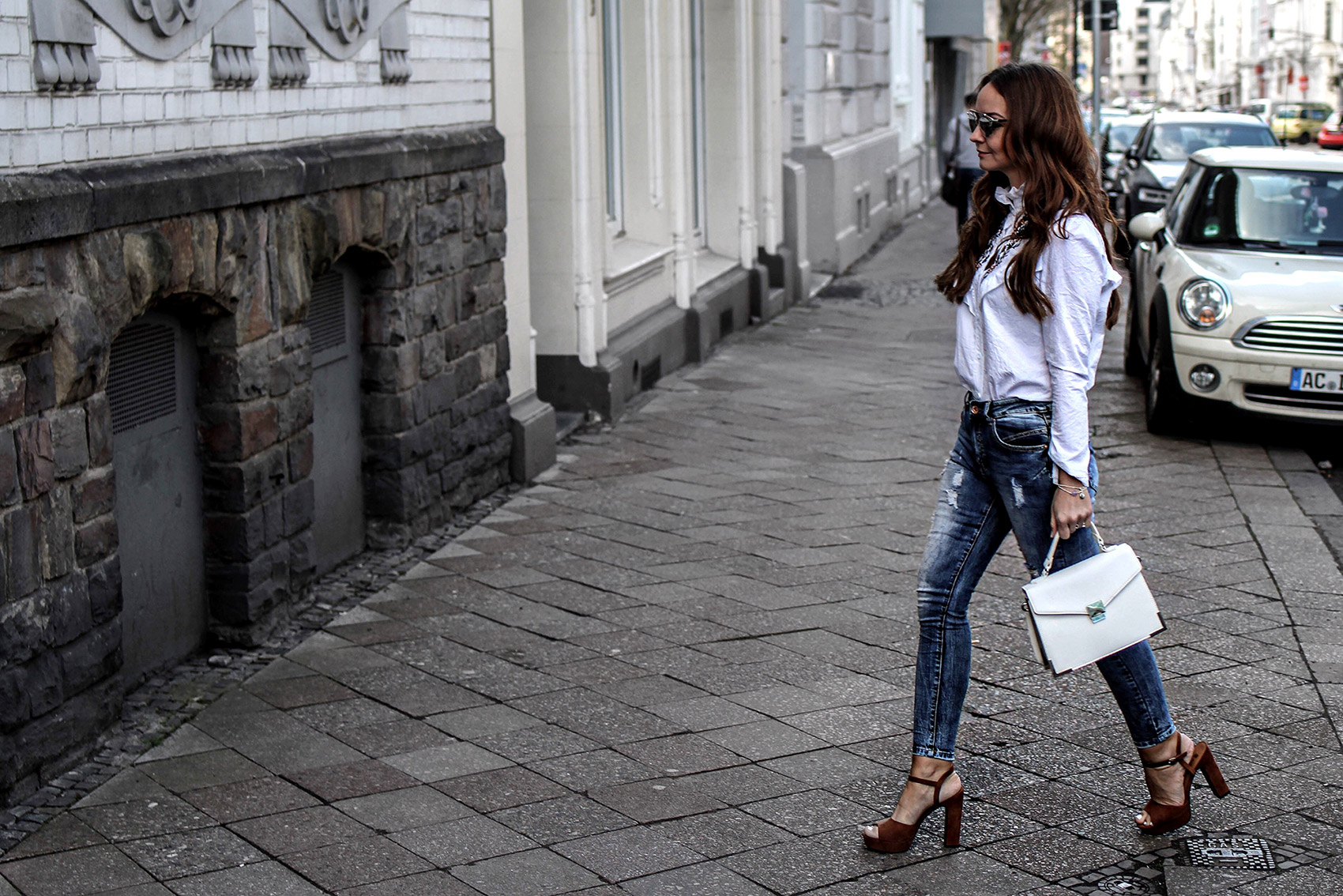 Fashioncircuz by Jenny fashioncircuz_jenny_streetstyle_chicwis_grethe_winter In Jeans und Bluse durch den Frühling
