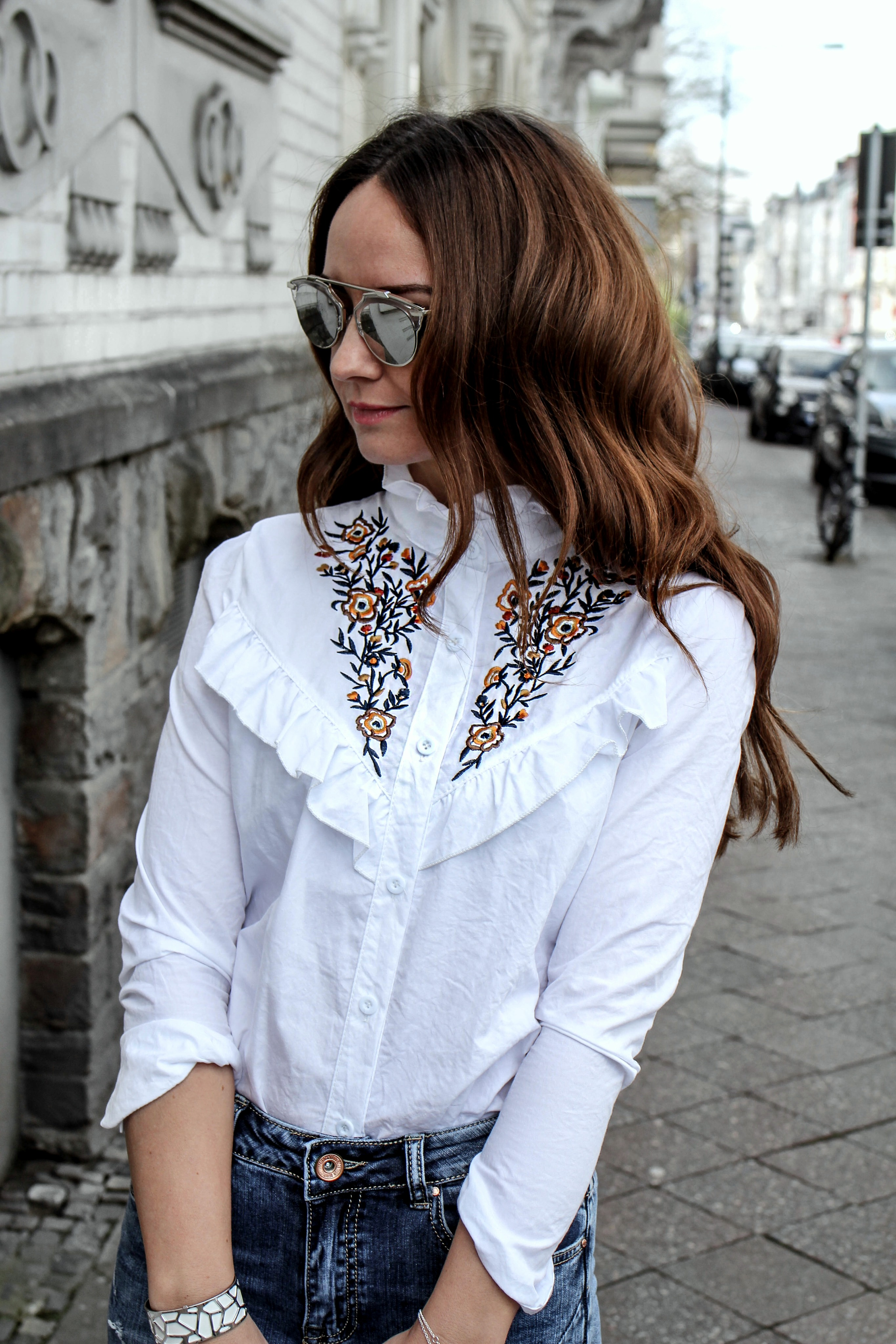 Fashioncircuz by Jenny fashioncircuz_jenny_streetstyle_chicwis_grethe_winter_bluse In Jeans und Bluse durch den Frühling