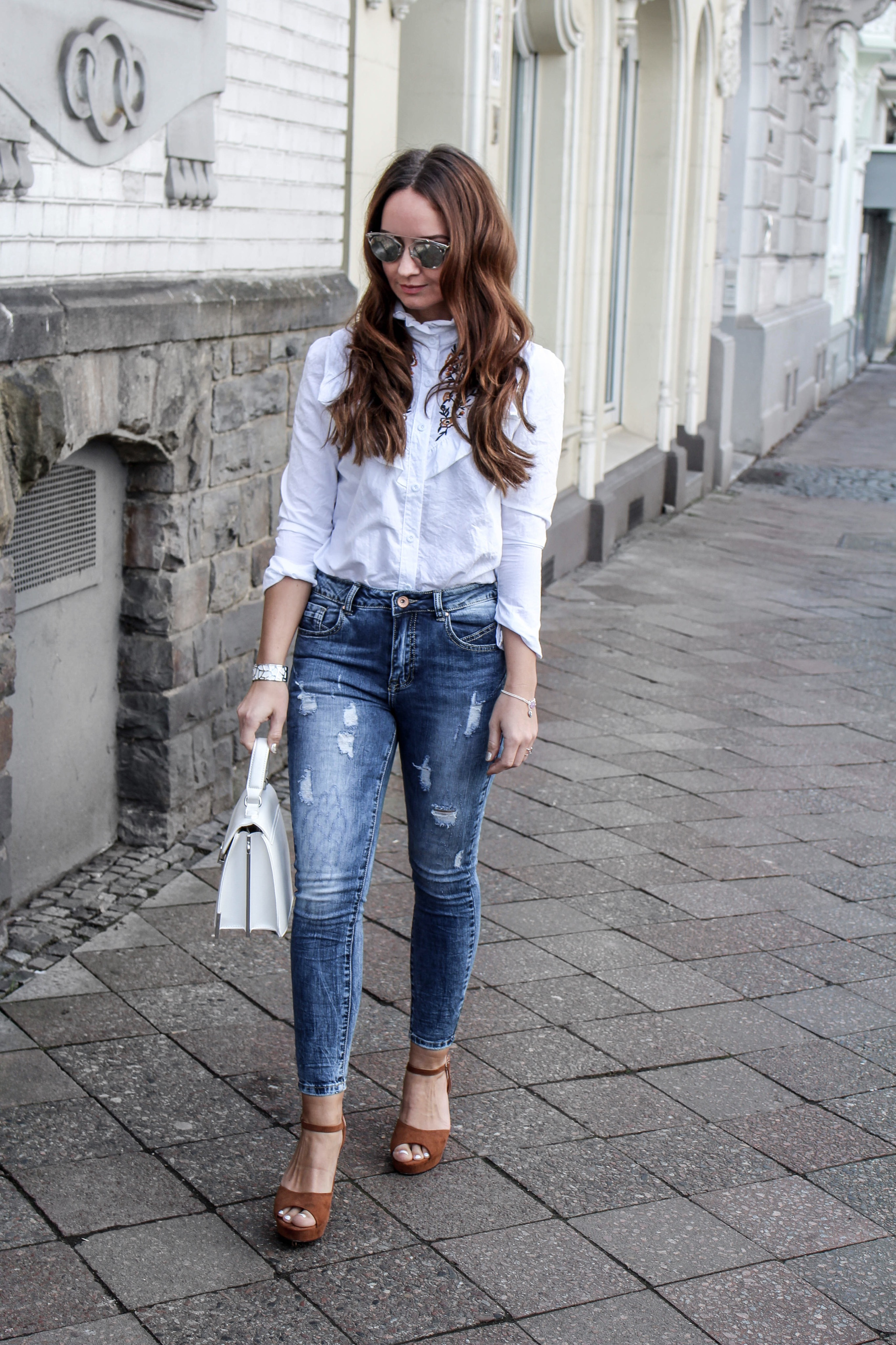 Fashioncircuz by Jenny fashioncircuz_jenny_streetstyle_chicwis_grethewinter In Jeans und Bluse durch den Frühling