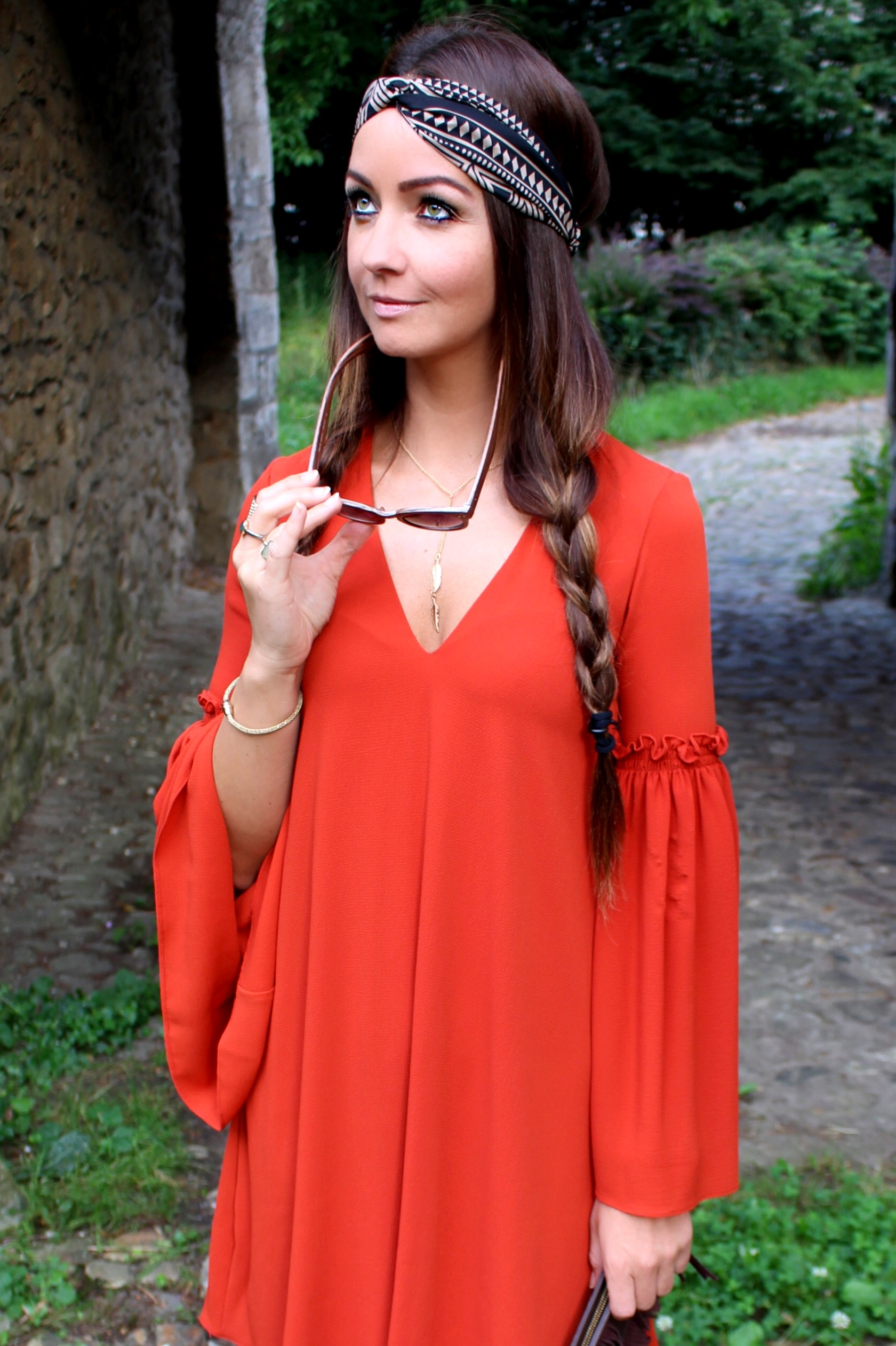 Fashioncircuz by Jenny img_0413a HIPPIEGIRL IN RED