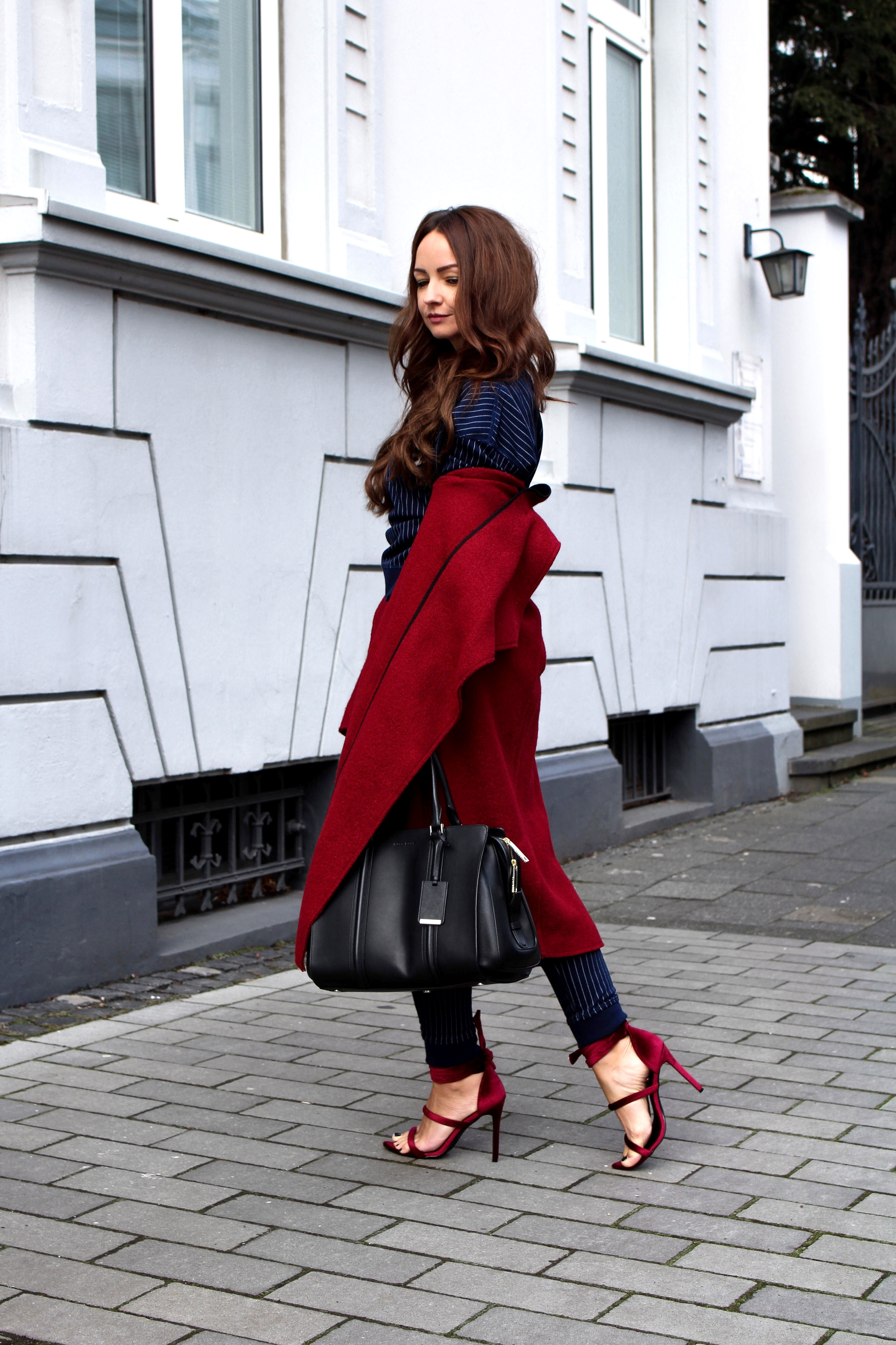 Fashioncircuz by Jenny tommy-hilfiger-blogger-look-iv OUTFIT | HILFIGER JOGGINGHOSE & STATEMENT PULLI MEETS HIGH HEELS