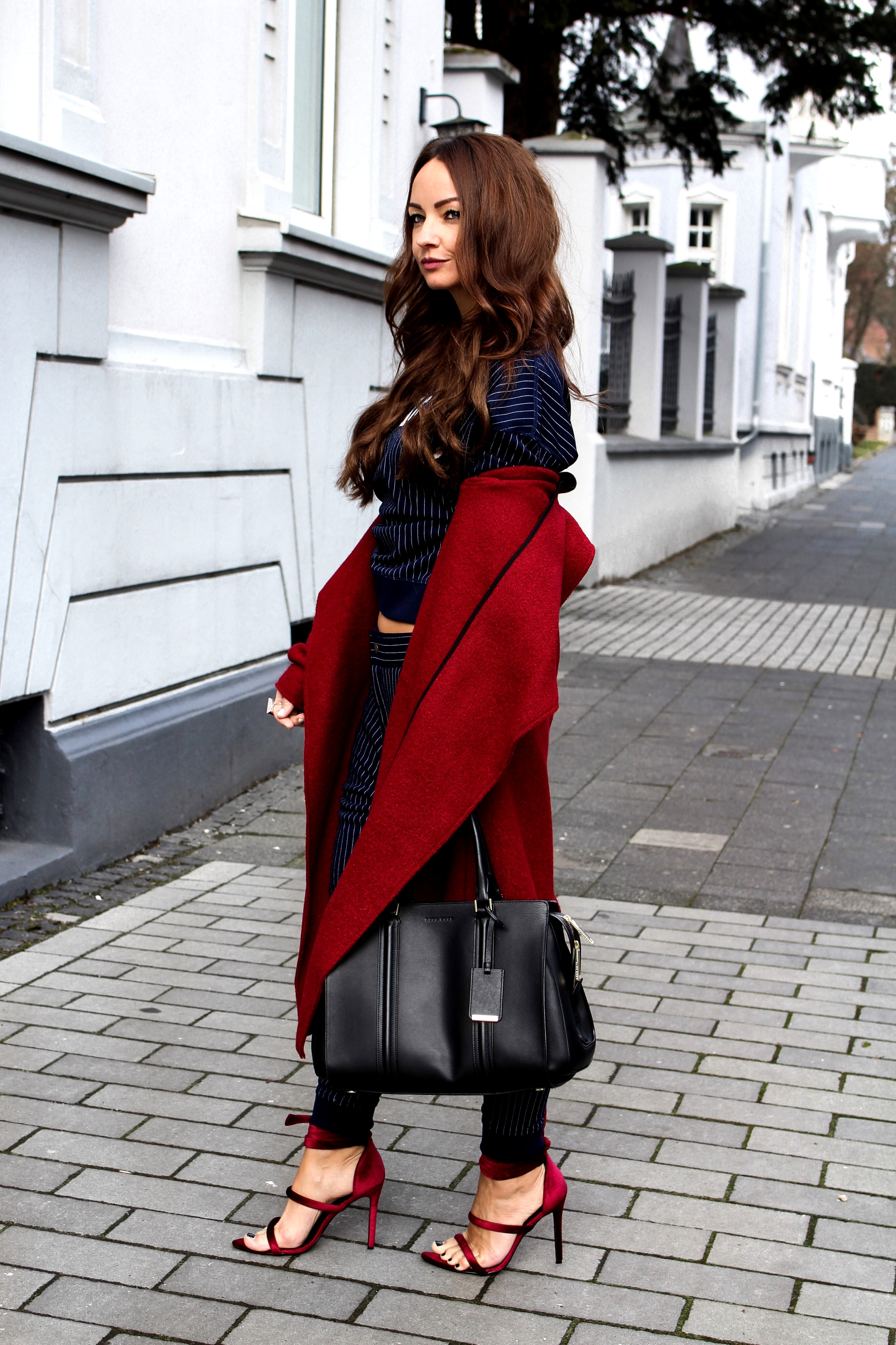 Fashioncircuz by Jenny tommy-hilfiger-blogger-look-v OUTFIT | HILFIGER JOGGINGHOSE & STATEMENT PULLI MEETS HIGH HEELS